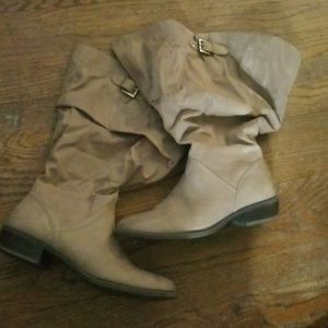 White Mountain NWB size 10 womens taupe boots